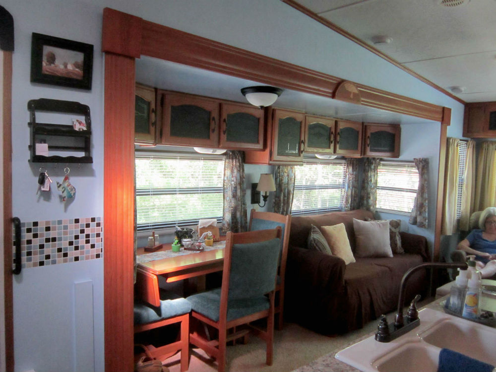 More redecorating back roads brushes for Minimalist living in an rv